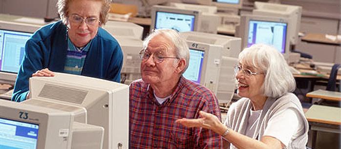 Jak zredukować bezrobocie? Niech wszyscy bezrobotni uczą się testować i kodować