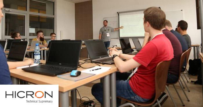 Wywiad z Maciejem Lorencem – Lead Software Testerem w Hicron